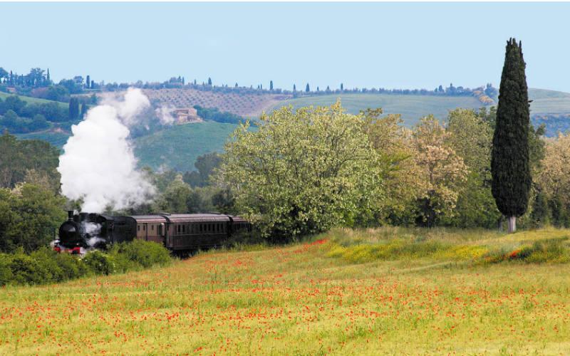 Romantisme des trains à vapeur en Toscane 3