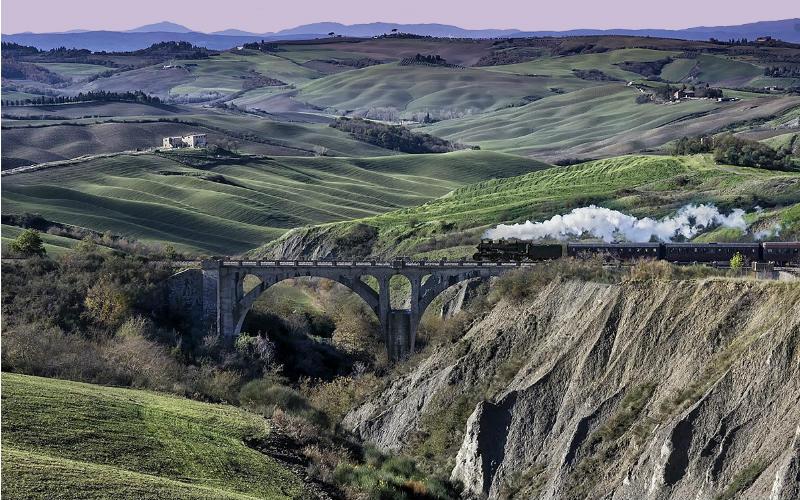 Romantisme des trains à vapeur en Toscane 6