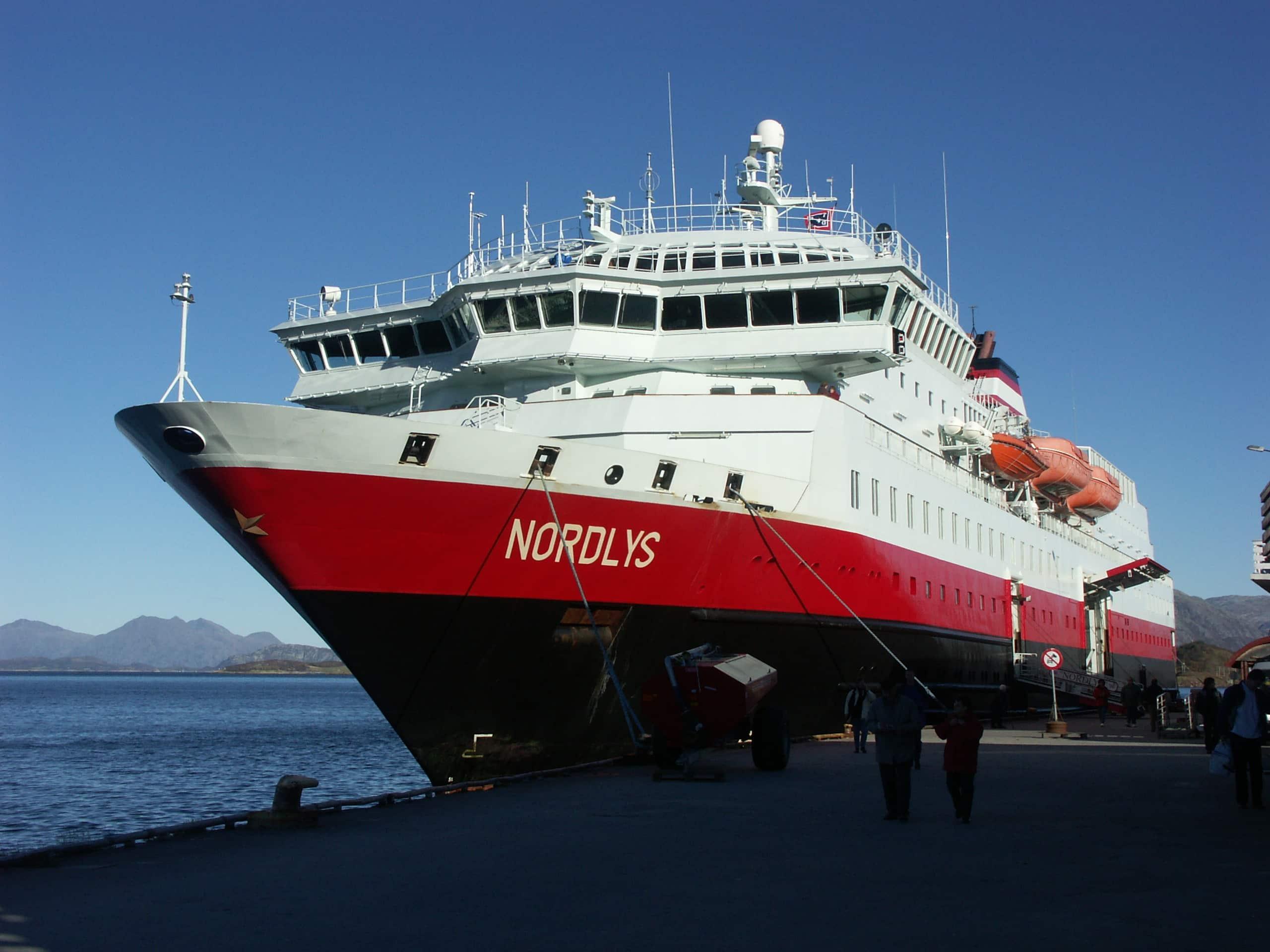 hurtigrutenschiff nordlys