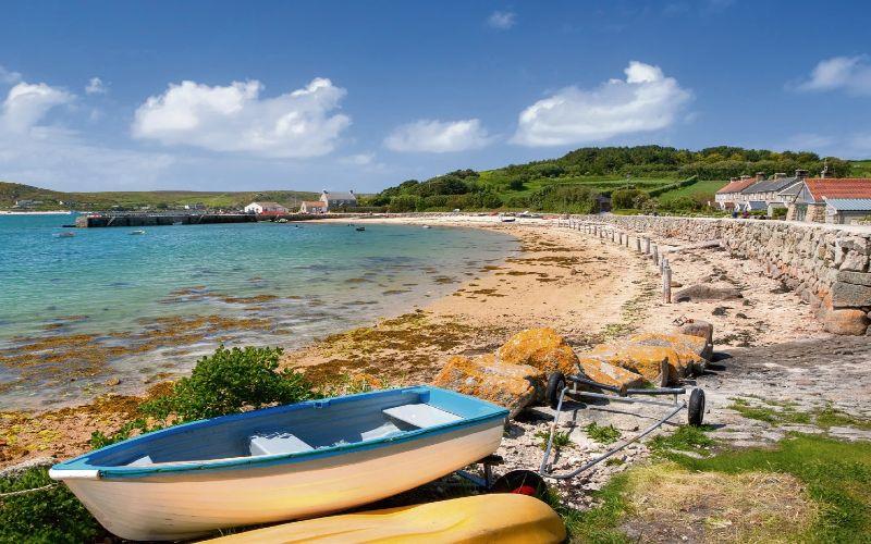 Strand Mit Häusern Und Booten Bei Scilly Island