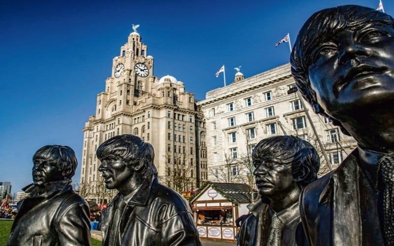 Statue Der Beatles In Liverpool