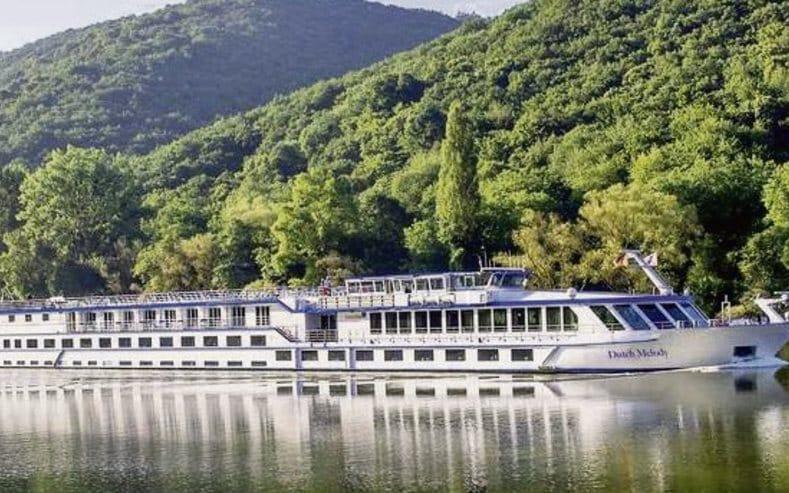 Flusskreuzfahrtschiff MS Dutch Melody Auf Einem Fluss