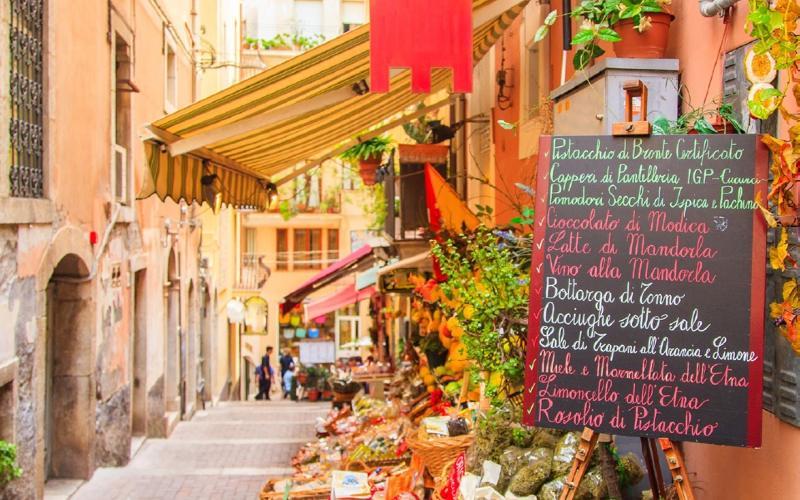 Mandelblüte auf Sizilien 1