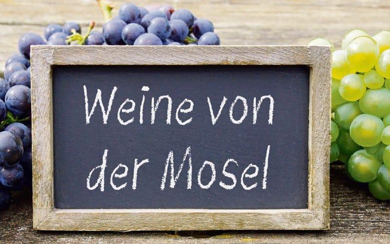 """Schild Mit Text """"Weine Von Der Mosel"""""""