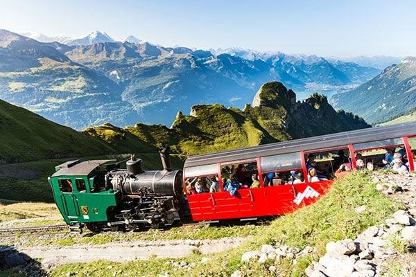 Brienz Rothorn Bahn, Alpen und Berge im Berner Oberland, Schweiz